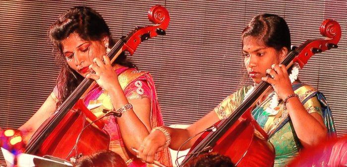 2 cellists closeup